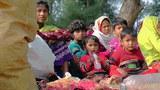 myanmar-fleeing-rohingya-roadside-feb21-2018.jpg