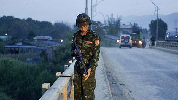myanmar-militiaman-bridge-muse-may12-2018.jpg