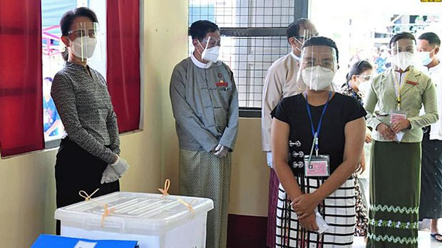 assk-polling-station-inspection-napyidaw-oct19-2020.jpg