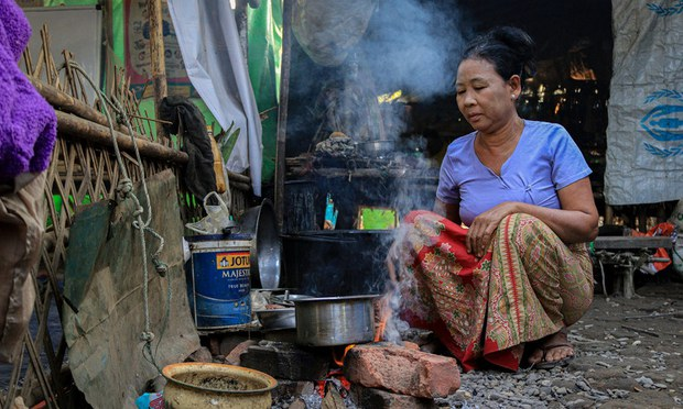 Refugees in Myanmar's Rakhine State Call on Government Forces to Withdraw From Villages, Stop Thefts
