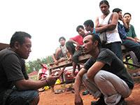 burmese-workers-in-Alot-St-.jpg