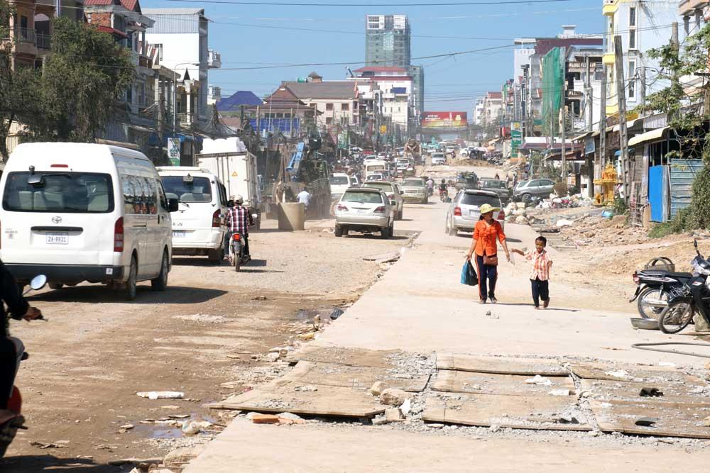 The main road in Sihanoukville town. Photo: RFA