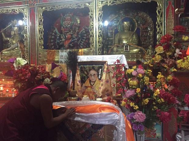 tibet-dalailamaphoto-june252015.JPG