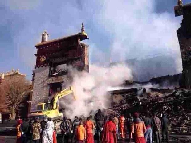 tibet-burnt-main-hall-lithang-nov-2013.jpg