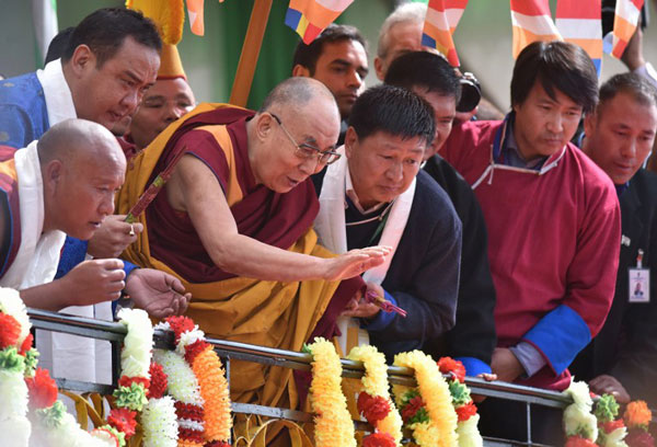 Dalai Lama Says Succession Issue Is a Matter For The Tibetan