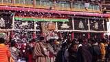 tibetans-celebrate-new-year-se-monastery-sichuan.jpg