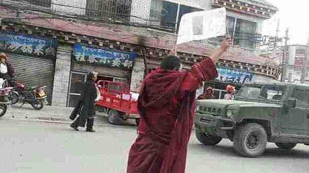 tibet-soloprotest2-042619.jpg