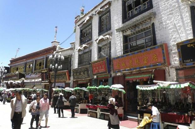 tibet-lhasa-barkhor-june-2013.jpg
