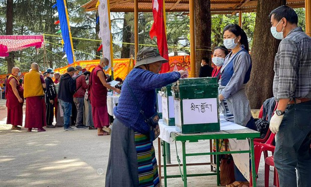 Tibetans in Exile Go to Polls in Final Round of Votes for Political Leader