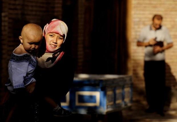 uyghur-woman-baby-2009.jpg
