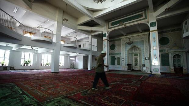uyghur-mihrab-urumqi-mosque-july-2009.jpg