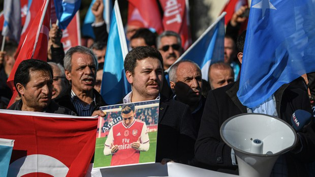 uyghur-mesut-ozil-uyghur-supporters-dec-2019-crop.jpg