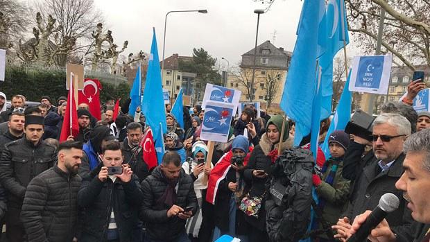 uyghur-frankfurt2-020419.jpg