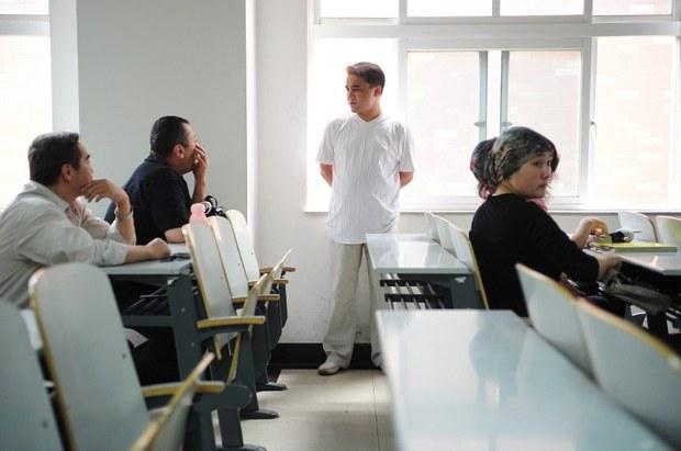 uyghur-ilham-tohti-2010.jpg