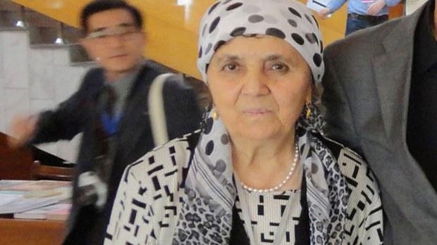 uyghur-söyüngül-chanisheff-sept-2014-crop.jpg