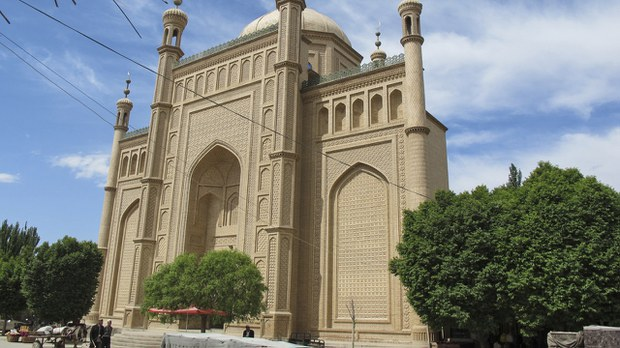 uyghur-atush-eshtachi-mosque-prior-to-demolition-crop.jpg