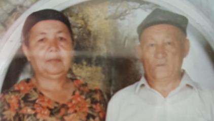 Dolkun Isa's mother, Ayhan Memet, and father, Isa Memet, in an undated photo. Credit: Dolkun Isa
