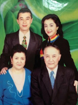 uyghur-guli-and-family.jpeg