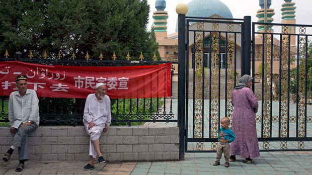 Purge of Mosque Clergy in Xinjiang's Ghulja Leaves Nobody Left to Conduct Ceremonies