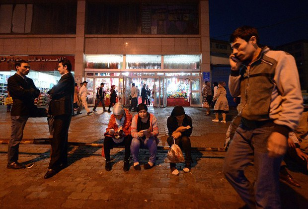 china-xinjiang-young-uyghurs-sept-2014.jpg