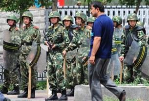 Urumqi-Riot-Squad-305.jpg