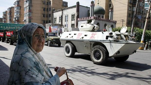 uyghur-elderly-woman-july-2009.jpg