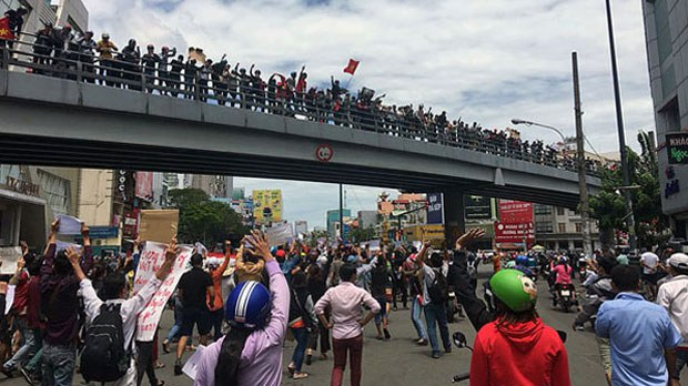 vietnam-bridge-110718.jpg