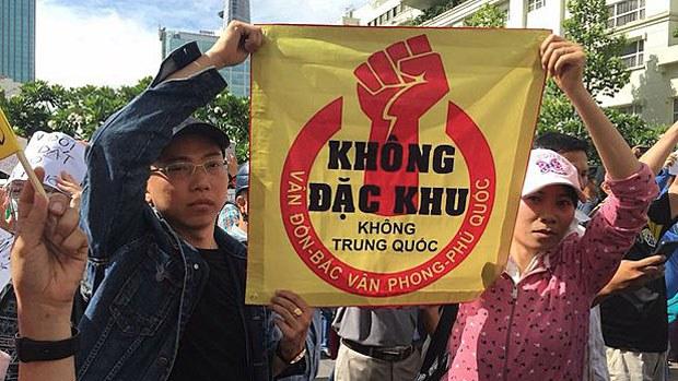 vietnam-demo2-061118.jpg