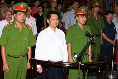 Cu Huy Ha Vu (center) at his appeal trial in Hanoi on Aug. 2, 2011. Photo credit: AFP PHOTO / HO / Vietnam News Agency.
