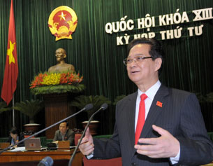 Vietnamese Prime Minister Nguyen Tan Dung addresses the National Assembly in Hanoi, Nov. 14, 2012.
