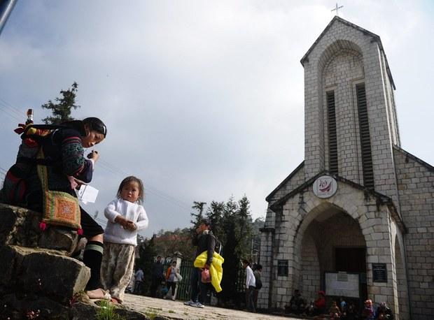 vietnam-hmong-church-dec-2013.jpg