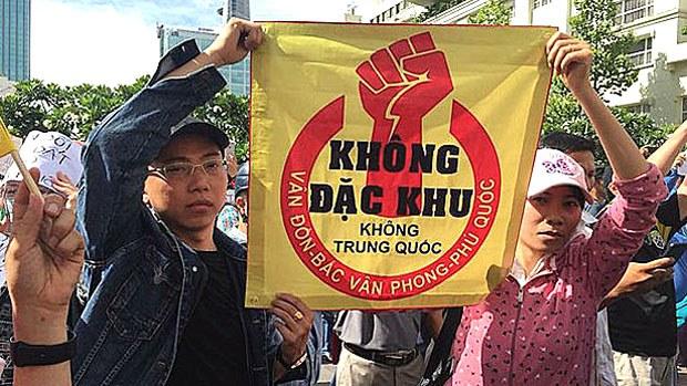 vietnam-protest2-073018.jpg