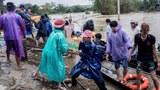 vietnam-aid-delivery-flooding-oct-2020-crop.jpg