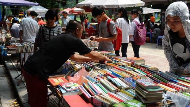 vietnam-books.jpg
