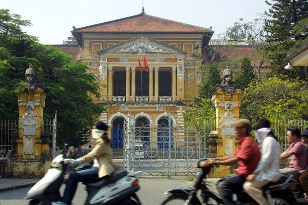 Vietnam Reduces Prison Sentence for Blogger
