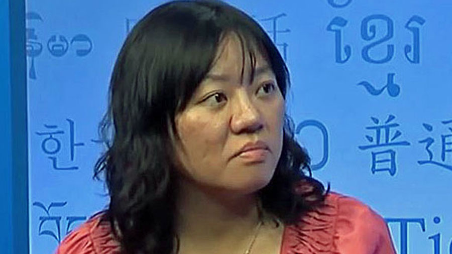 Vietnamese activist blogger Pham Doan Trang speaks with RFA in Washington, Jan. 27, 2015.