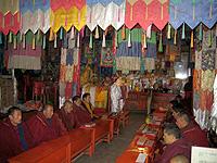 tibet-monks-200.jpg