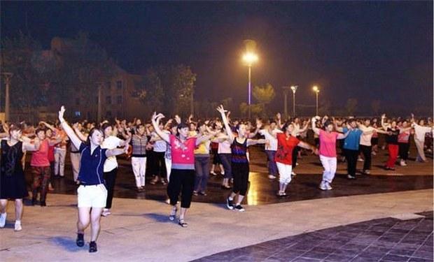 china-dancers-01292016.jpg