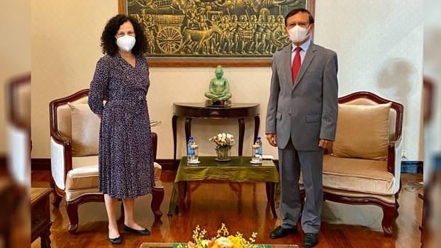 Kem_Sokh_meets_Carmen_Moreno_EU_Ambassador_050421_2.jpg