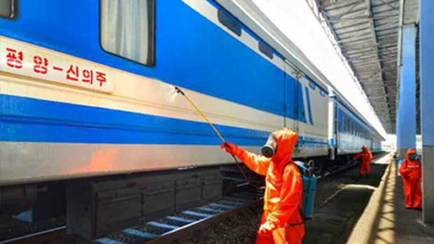 py_train_disinfection_b