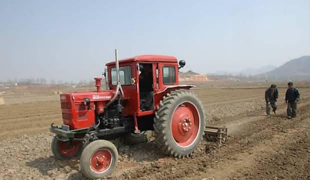 tractor_nk_b