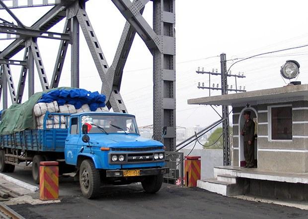 food_truck_bridge_b