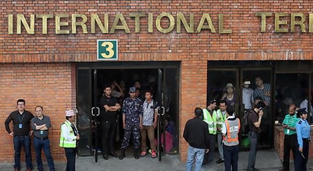 nepal_airport_b