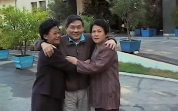 us_divided_family_b