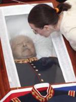 Pinochet_muerto_200.jpg