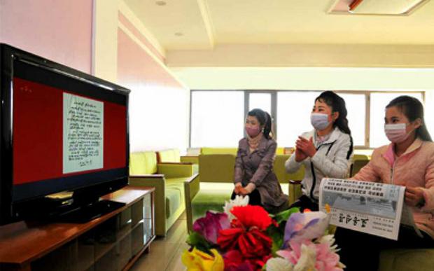 북 주민, 김정은 새해 친필서한 모심행사에 싸늘한 반응