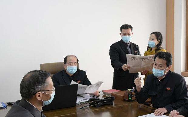 북, 김정은 '총비서' 추대에 대한 주민반응 조사