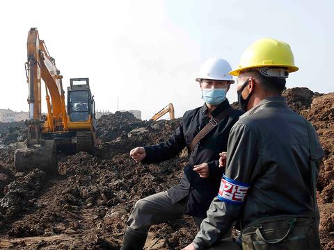 평양 사동 구역의 1만세대살림집 건설현장.