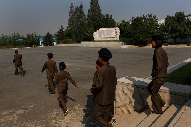 북 일부 학생들, '긴 코로나 방학' 중에 도박에 빠져