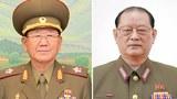 황병서 전 총정치국장(왼쪽)과 김원홍 전 제1부국장.